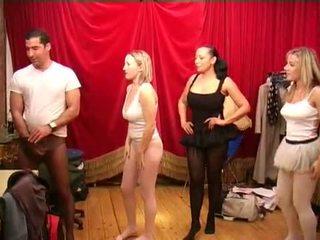 Zeķbikses pirms the ballet