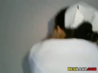 इंडियन नर्स गड़बड़ डॉगीस्टाइल