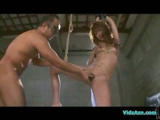 Squirting während Pussy gefickt