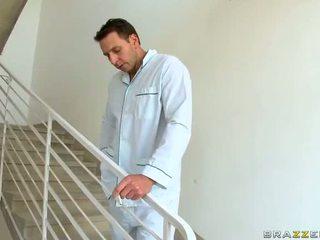 حار جبهة مورو dr aletta ocean gets مارس الجنس و jizzed في عمل فيديو