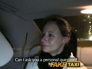 Faketaxi enza fucks meg på camera til gi til henne ex - porno video 111