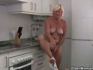 Sabine コレクション: フリー 古い 女性 楽しい 高解像度の ポルノの ビデオ 0c