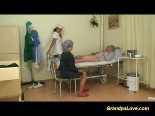 Dziadek laska pieprzenie the pielęgniarka