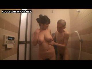 Itu big-breasted ibu berikutnya pintu akan datang untuk saya rumah 1