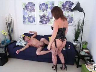 строга господарка, колан с пенис, табу