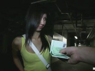 Kecil mungil akademi gadis stuffed untuk uang