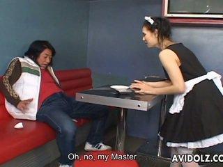 Maria ozawa erotisks kiss uz valet uniforma