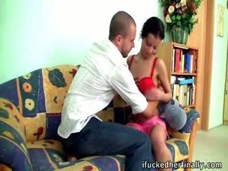 Еротичний шльондра got її рожевий трахкав.