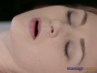 Masaža rooms lepo bledi skinned mama squirts za the zelo prva čas - porno video 901