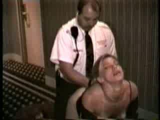 Femme baisée par hôtel sécurité guard vidéo