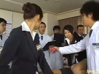 هؤلاء اليابانية الفتيات منح هم asses إلى اللعنة