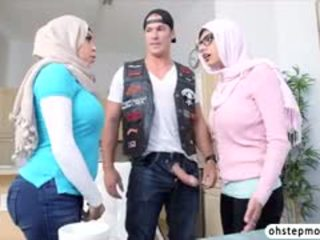 Palestine Mias Hot Threesome Fuck Viral Sex With Julianna