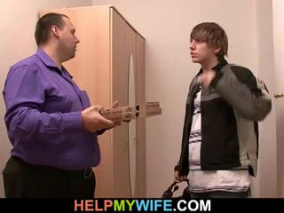 Tučné manžel pays the pizza guy tot súložiť jeho manželka