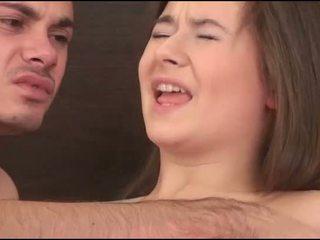 Virgin gadis sucks yang zakar/batang