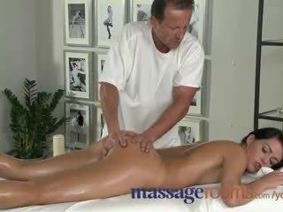 Masáž rooms hanblivé virgin holky mať prvý čas hardcore sex pred creampie