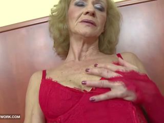 Medrasno porno - babi likes to grobo gets analno.