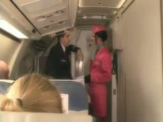 Blonda stewardeza
