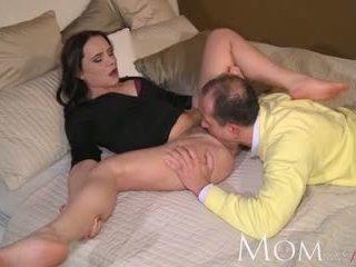 মা george uses পুরাতন tricks থেকে পাওয়া তার নতুন মিলফ থেকে climax