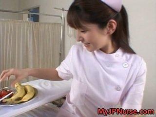 Ann nanba bukuroshe aziatike vogëlushe licks