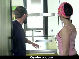 Oyeloca - לטינית cleaner cleans בית ו - זין!