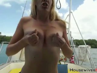 squirting, cougar, boat
