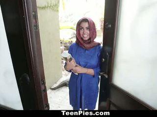 Teenpies - muslim prawan praises ah-laong kontol