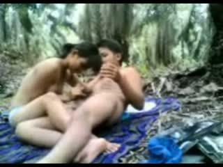 อินโดนีเชีย วัยรุ่น ระยำ ใน the ป่า