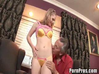 Doxy bonks ji starý obscénní lawyer na pomoc ji pouzdro.