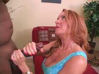 Sexy milf amadora esposa inter-racial corno punhetas