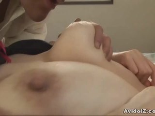Japansk milf gets fingered og knullet uncensored