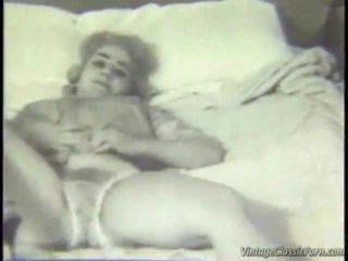 Retro sovrum striptease