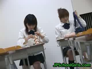 Seira kinomoto と yuri shiina ホット 日本語 レズビアン babes23 バイ jpbabes
