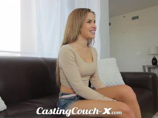 Szereplőválogatás couch-x egzotikus cali lány nervous hogy csinál porn