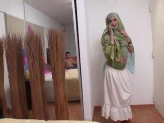Ινδικό σύζυγος rides ένα χοντρός/ή καβλί βαθιά σε αυτήν στόμα