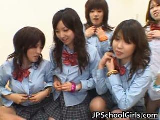 Asiatisch schoolgirls having anal sex porno