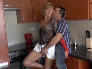 Hårete tysk bestemor loves anal - r9