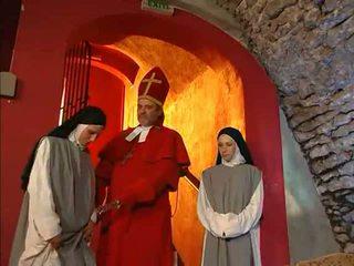 Nuns gettin friskiy