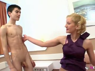 Young jordi and his friend fuck ýaşy ýeten lady