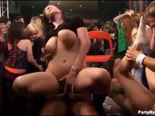 Groep seks wild patty bij nacht club