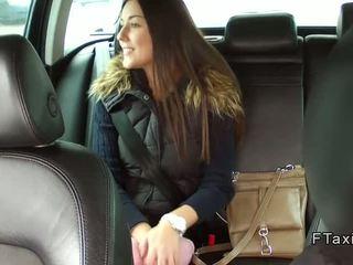 Krásne české naivka banged v fake taxi