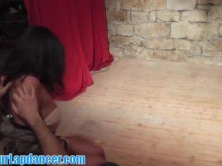 Seksi latino perempuan lapdance