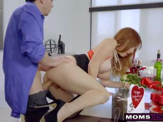 Momsteachsex - mutter und stepsons romantic vday fick s7:e7