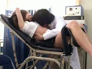 女子生徒 misused バイ gynecologist