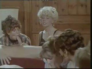 Das lustschloss der josefine mutzenbacher (1986) cfnm cảnh