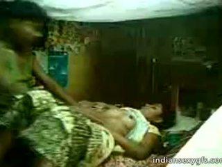 Desi cousine sister tour sur frère à maison alone - indiansexygfs.com