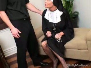 Kelly madison trừng phạt với một thick con gà trống trong âm hộ