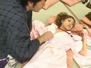 Jepang av model is forced to have bayan