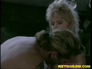 Retro blonda gets insurubata mare