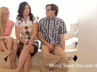 Madres enseñar sexo