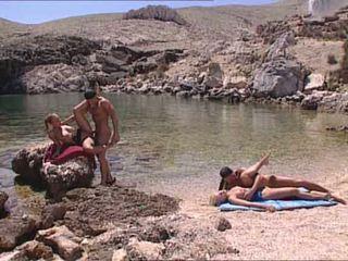 Sexy blondes fodido em grega island vídeo